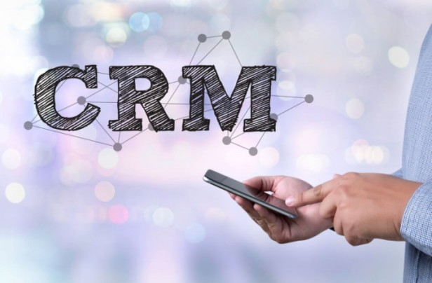 how-to-hire-the-right-crm-consultant-e1471410337526